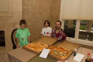 Laszlo Hanyecz氏と氏の子供たち(Laszlo Hanyecz氏自身によるlightning-pizza投稿スレッドより)