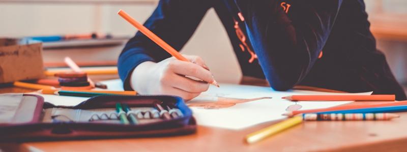 臨時休校中の勉強はどうする? ベネッセ、Z会、学研などが学習支援サービスを無償提供